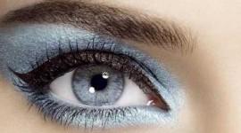 maquillage yeux en bleu