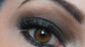 maquillage pour les yeux marrons vert