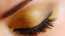 maquillage yeux jaunes