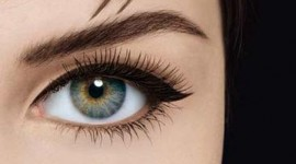 maquillage yeux liner noir