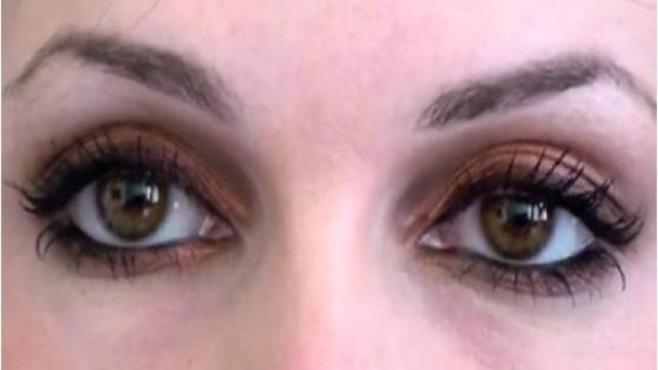 maquillage yeux marrons globuleux