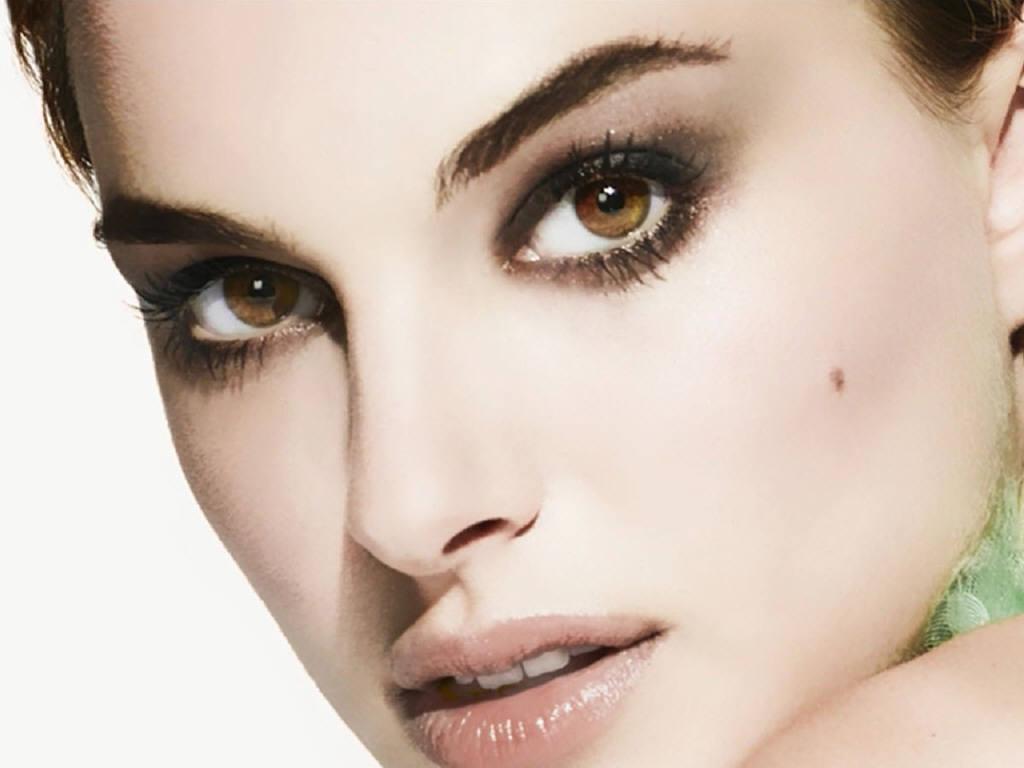 maquillage yeux noisette peau claire