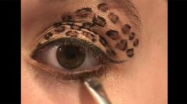 maquillage yeux léopard