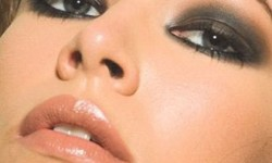 make up yeux noir