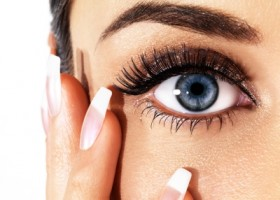 maquillage pour yeux globuleux