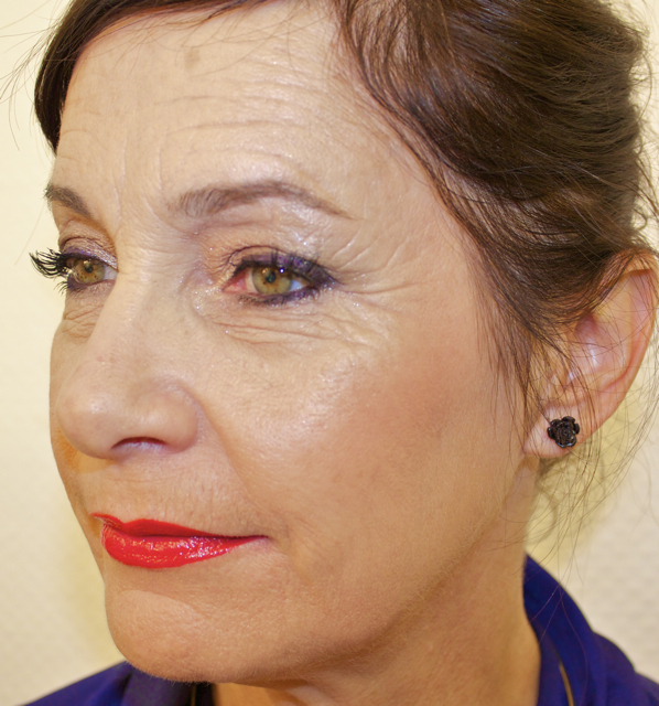 maquillage yeux verts femme 60 ans