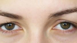 maquillage yeux pour paupières tombantes