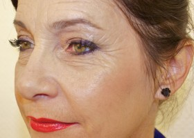maquillage yeux femme 50 ans